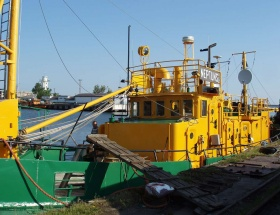 Industrial diving, the Freeport of Ventspils, professional industrial divers,diving support ship Neptuns, underwater ship repairs, search and recovery of sunken objects